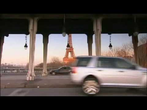 Der Akt der Abbuchung des Benzins im Auto