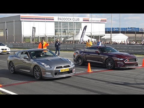 Ford Mustang 5.0 V8 Royal Crimson GT Performance vs Nissan GT-R