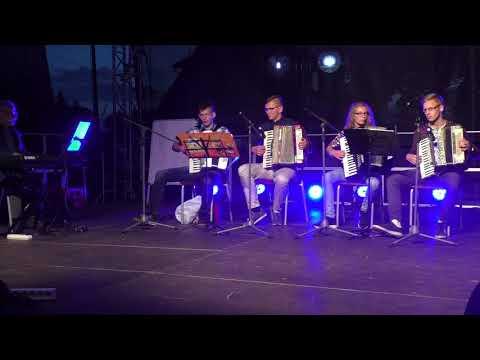 Występ zespołu Akordeonowego Pana Jana Mizgiera