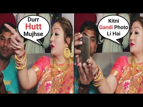 Govinda Wife Sunita Ahuja Rude Behaviour With Fan Taking Selfie With Her