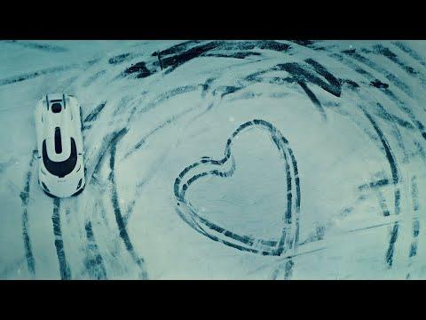 Xem siêu xe triệu đô Koenigsegg Regera drift điệu nghệ trên tuyết, gửi thông điệp ấm lòng tới người yêu xe mùa Valentine