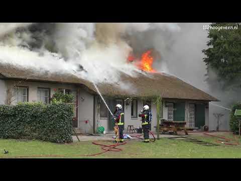 Woonboerderij verloren door grote brand in Tiendeveen (Drenthe)