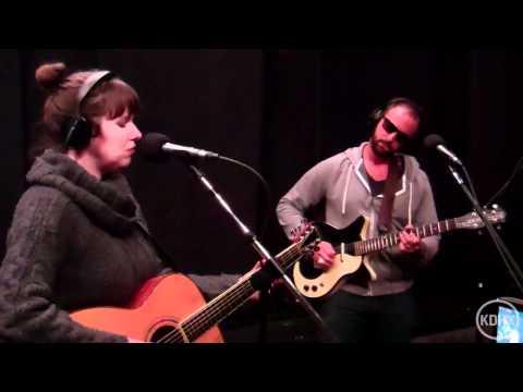 "Elizabeth McQueen ""Mind of Men"" Live at KDHX 1/14/12 (HD)"