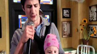 Нейтон и Хейли, Nathan is performing with baby Lydia