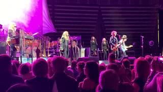 Hold Me, Fleetwood Mac, 11-30-18
