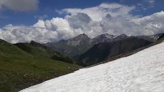 Zwischen Schnee und Regen - Aufstieg zur Greina Hochebene