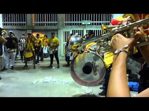 """LIDL...JUGADORES LE PIDO..PEREIRA- tulua."" Barra: Lobo Sur • Club: Pereira"