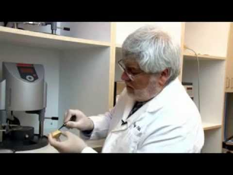 Vacuum former a dental model Bleaching Trays - смотреть