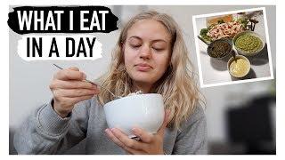 WHAT I EAT IN A DAY // hvad spiser jeg på en dag?