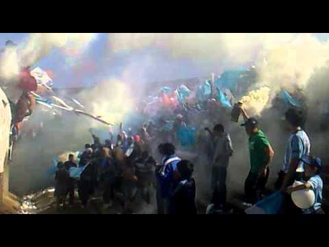 """""""LA BANDA DE LOS VILLEROS CONTRA LOS COBARDES (cerro 1 penadoy 0) 27-10-2013"""" Barra: Los Villeros • Club: Cerro"""