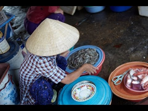 Download Youtube  mp3 - Vietnam food market in Hoi An