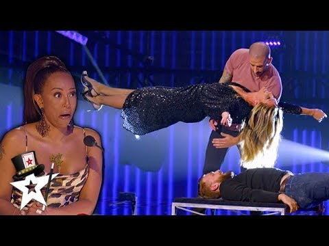 Illusionist Conjures UNBELIEVABLE Stunt with Heidi Klum on AGT Champions | Magicians Got Talent (видео)