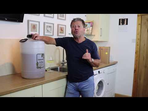 Beginners Wine Making Part 4 - Bottling