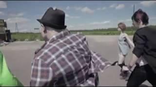 Геймеры 5 серия драка с дальнобойщиками