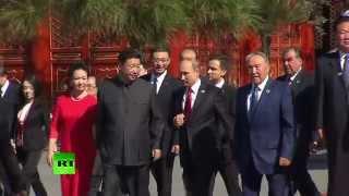 Владимир Путин принимает участие в праздничных мероприятиях в Китае