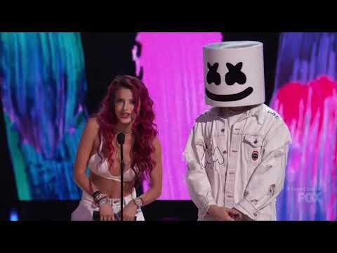 Logan Paul And Liza Koshy Wins Teen Choice Awards 2017