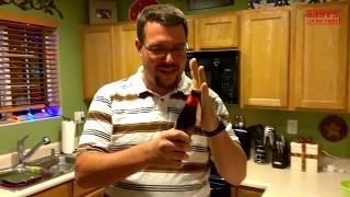 Chưa bao giờ tận mắt thấy 10 cách mở nắp chai không cần dùng khui tuyệt vời như thế này