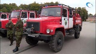 На площади Победы-Софийская развернулась выставка техники для борьбы с лесными пожарами