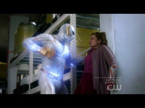 The Flash 5x18 Nora vs Godspeed fight Scene
