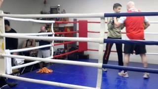 Воскресная тренировка в клубе олимпийского чемпиона по боксу.