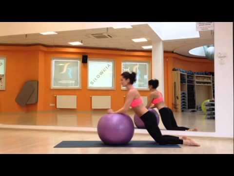 Ćwiczenia na rowerze stacjonarnym, które pracują mięśnie