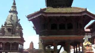 preview picture of video '2008-10-04 Plaza Durbar de Bhaktapur, Nepal नेपाल'
