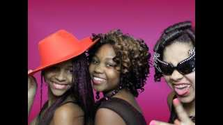 preview picture of video 'Tabitha's Sweet 16 photobooth fun Troy, NY'
