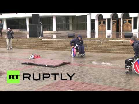 В Воронеже проходит марафон инвалидов-колясочников «Сильные духом»