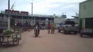 preview picture of video 'Barreirinha chegada de um barco'