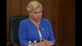 Депутаты позволили Л. Янковской совмещать должности