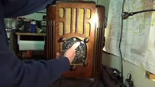 1937 Zenith 10S130 Antique Tube Radio Part 1 of X First Look and Request for HELP!