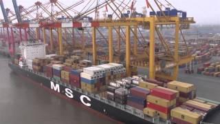 preview picture of video 'Oktokopterflug an der Stromkaje in Bremerhaven'