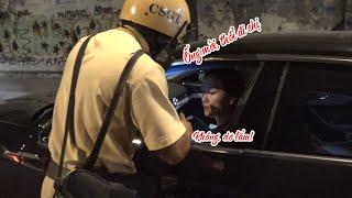 Nhiều chị em lái ô tô ngại thổi ống cồn khi bị CSGT Sài Gòn lập chốt kiểm tra