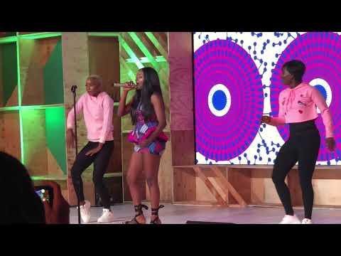 Simi performs 'Aimasiko' at Google for Nigeria