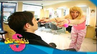 Samantha au salon de coiffure