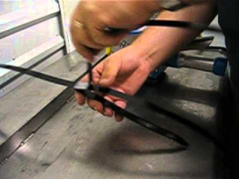 Pneumatic Pusher Steel Strapping Tool | Titan Maxi