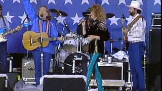 Willie Nelson, Arlo Guthrie and Dottie West - The City of New Orleans (Live at Farm Aid 1985)