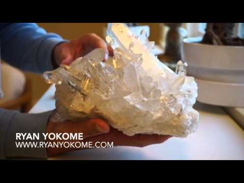 Video Clear Quartz Crystal For Healing & Clearing Negative Energy (Unwrapping)