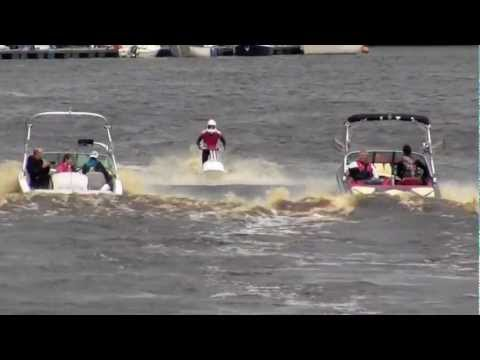 Mastercraft Stunts Jet Ski, Water Ski and Speed Boats on the Foyle – Derry / Londonderry