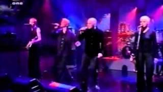 Chumbawamba - Tubthumping with lyrics