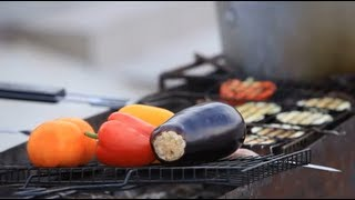Овощи на мангале с соусом из йогурта - рецепт Уриэля Штерна