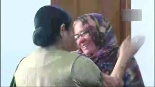 Sushma and Hamid Ansari share a heart-warming scene