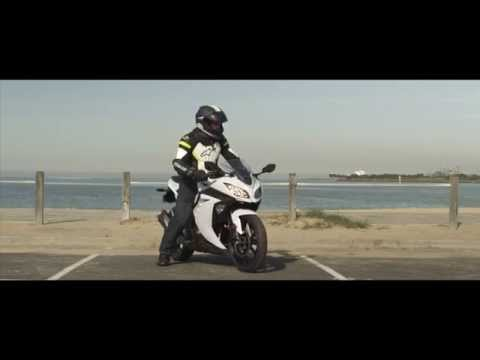 Bikelife Bike Review - 2015 Kawasaki Ninja 300