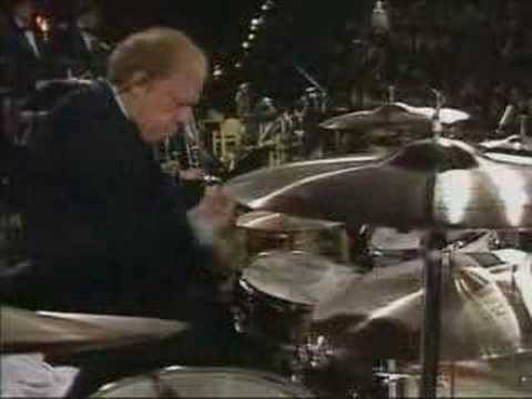 Solo de bateria de Buddy Rich (live in Dominican Republic,1982) online metal music video by BUDDY RICH