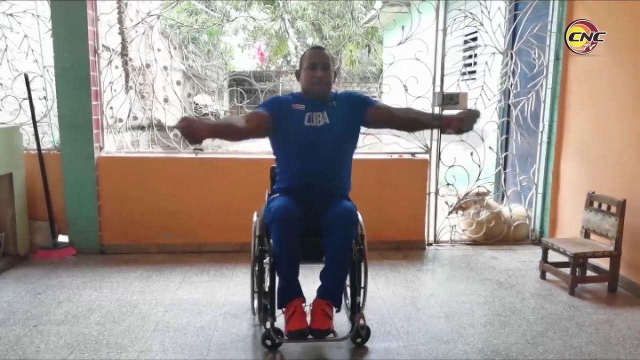 Desde casa se prepara el campeón paralímpico Leonardo Díaz