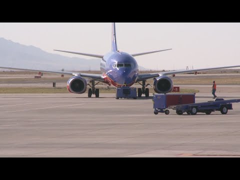 Man accused of groping woman on flight to Albuquerque