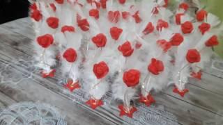 Souvenirs para 15 años o bodas. porcelana fria. rosas con plumas by miaflor manualidades