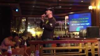 Drunk Guy Does Karaoke in Las Vegas at Piano Bar 3 Doors Down - Kryptonite