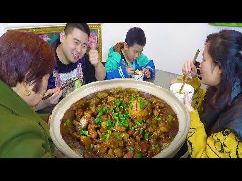 """【超小厨】川式""""台湾卤肉饭"""",2斤猪肉炖一锅,汤汁太下饭,老妈直夸香!"""