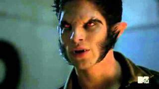 Download Video Teen Wolf Scott Bites Liam MP3 3GP MP4